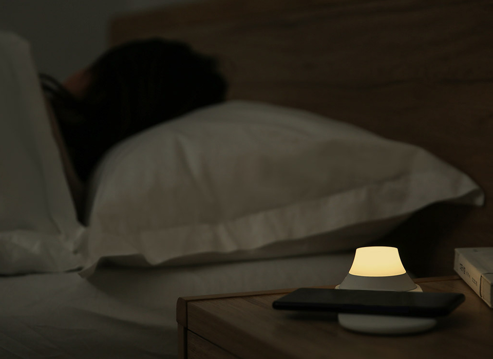Беспроводное зарядное Xiaomi Yeelight Wireless Charging Night Light